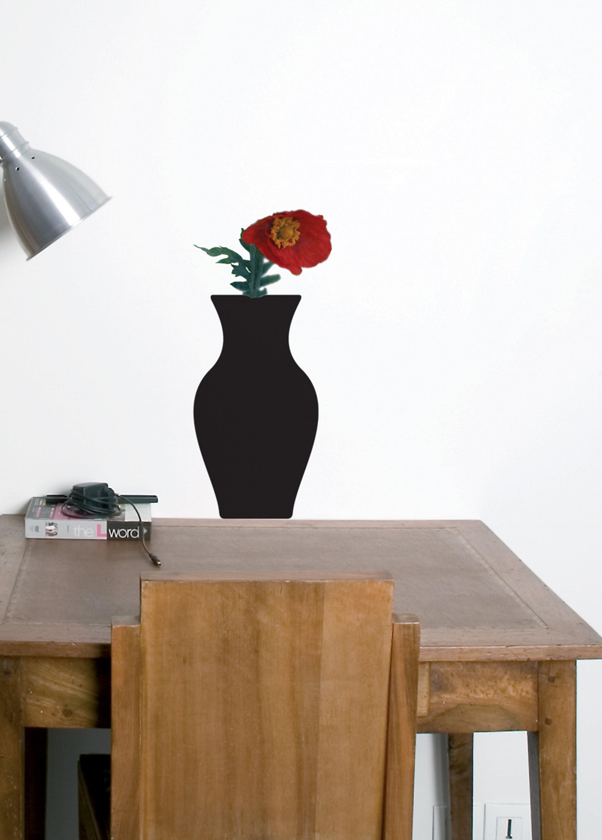 Vinyl + vase 1