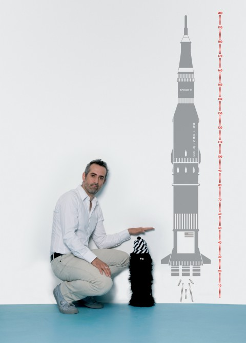 Measuring souvenir apollo 11